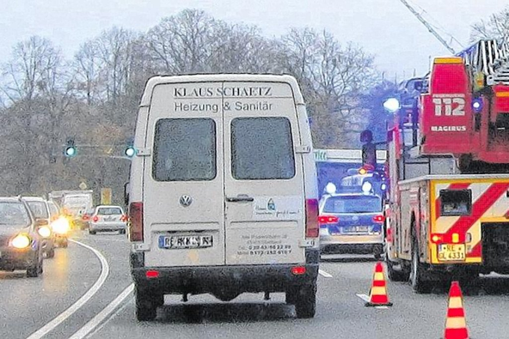 Langer Stau Nach Unfall Auf Der B 224 In Gladbeck Nrzde Gladbeck