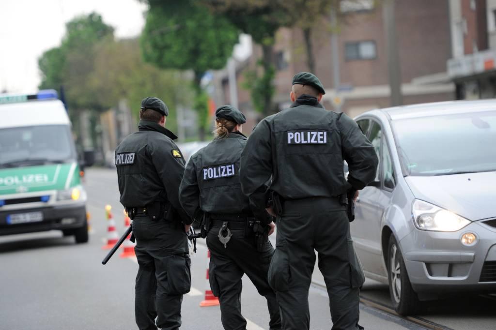 Rassistische Bilder: Entlassung von Polizist war rechtmäßig | nrz.de ...