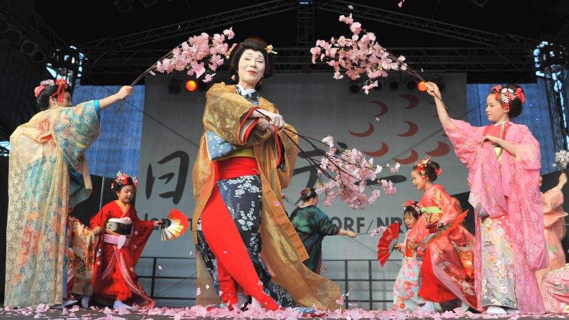 Stadt d sseldorf reagiert auf kritik an japan tag for Traditionelles japan