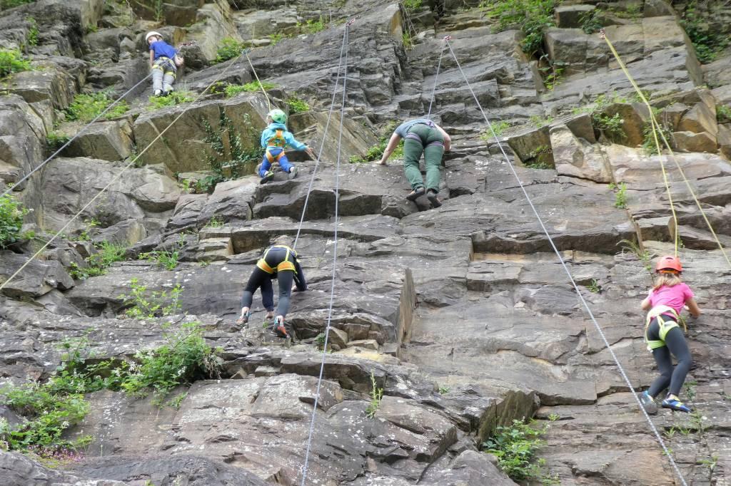 Klettersteig Ardennen : Ardennen climbing camp mountain network