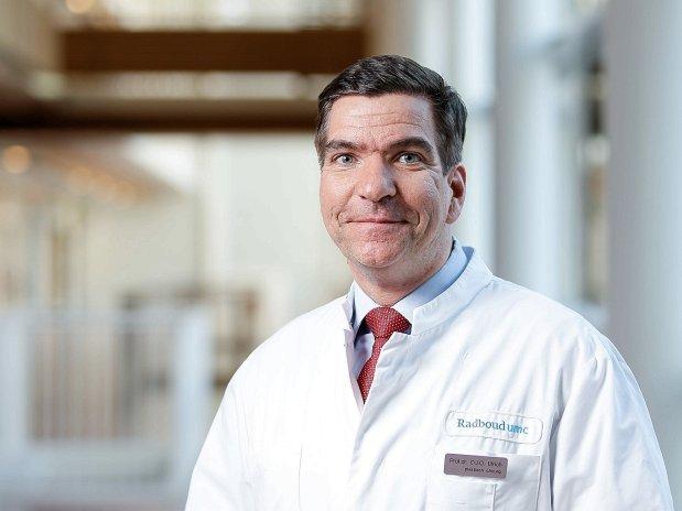 Prof.Dr. Dietmar Ulrich, Klinikdirektor und Plastischer Chirurg.