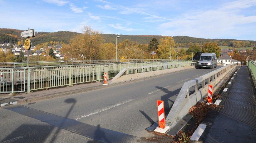 Dinscheder Brücke: Trennung der Ruhrdörfer während des Brückenneubaus vom Tisch