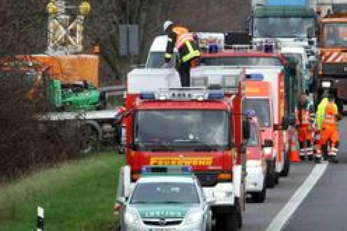 Zwei Tote Am Autobahnkreuz Hilden Nrzde Düsseldorf