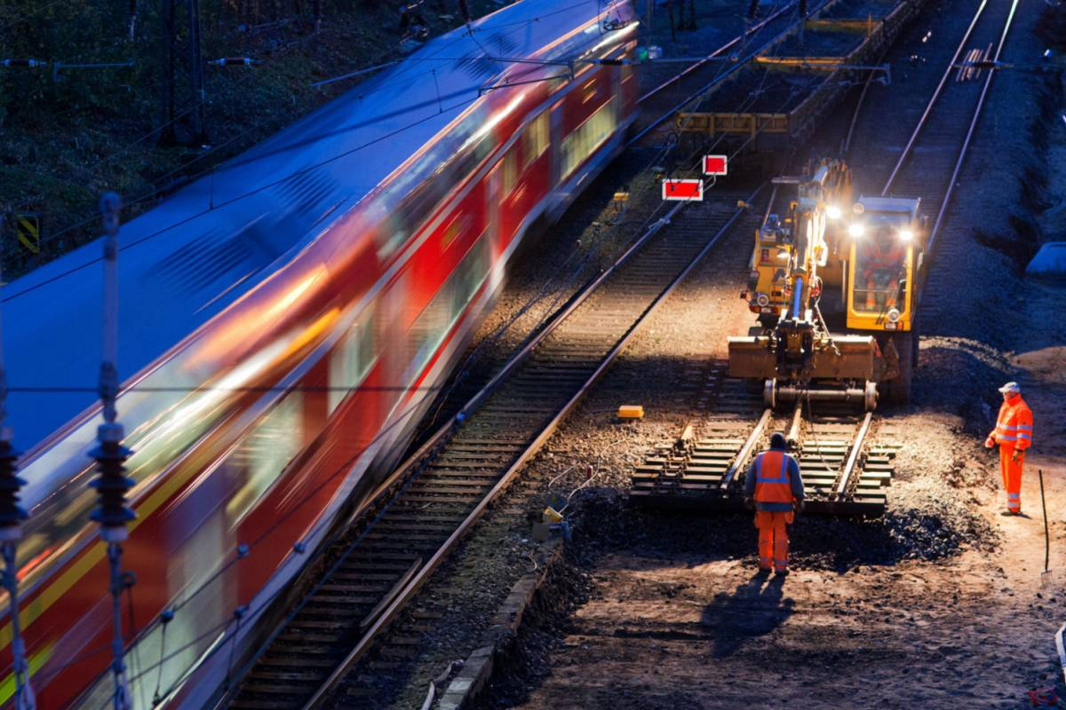 Bahn Baut In Herbstferien In Düsseldorf Zugausfälle Nrzde