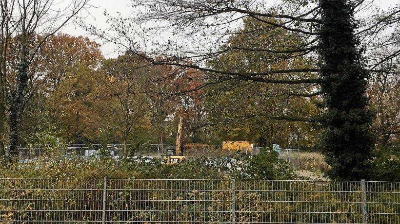 Dinslaken: Hier wird gerade das Freibad Hiesfeld abgerissen - NRZ