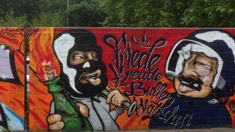 graffiti in garath verherrlichten gewalt beim g20 gipfel d sseldorf. Black Bedroom Furniture Sets. Home Design Ideas