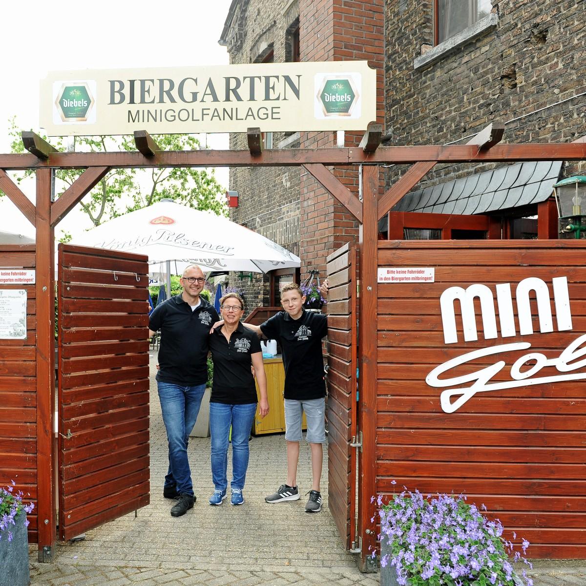 Rees Gasthaus Zum Hirsch Lockt Familien In Den Biergarten Nrz De