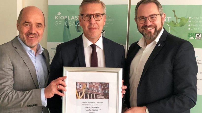 Biotec besteht 25 Jahre: IHK gratuliert Emmericher Firma - NRZ