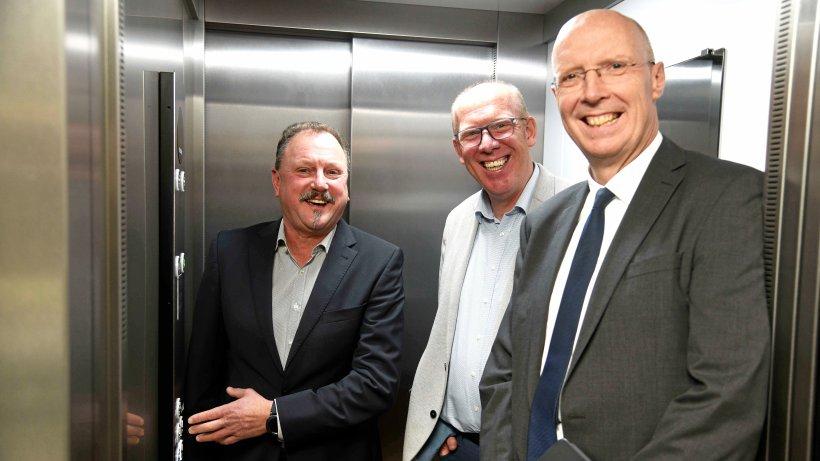 Ein Fahrstuhl nimmt die Hürden des Reeser Schulzentrums - NRZ