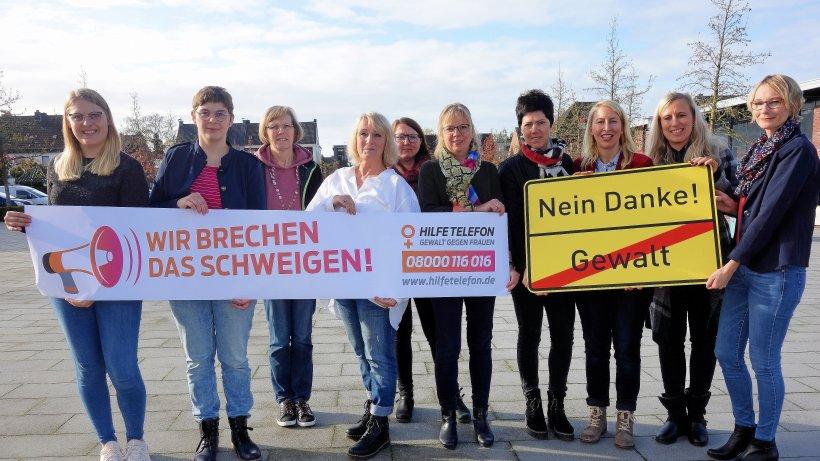 Aktionen zum Tag gegen Gewalt an Frauen in Rees - NRZ
