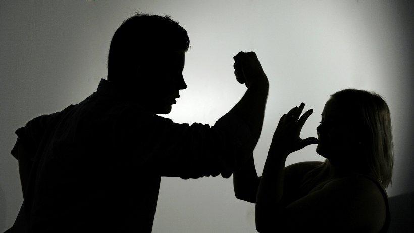 Häusliche Gewalt bleibt Thema im Kreis Wesel - NRZ