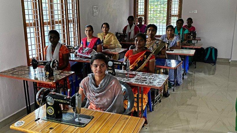 Schermbecker Familie hilft Frauen und Schülern in Indien - NRZ