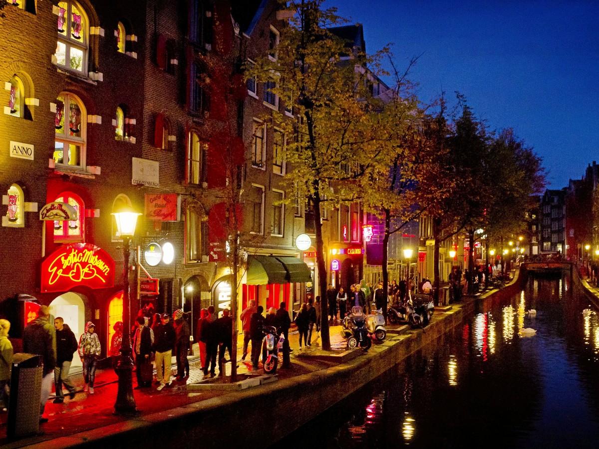 Eine prostituierte amsterdam was kostet in Prostitution in