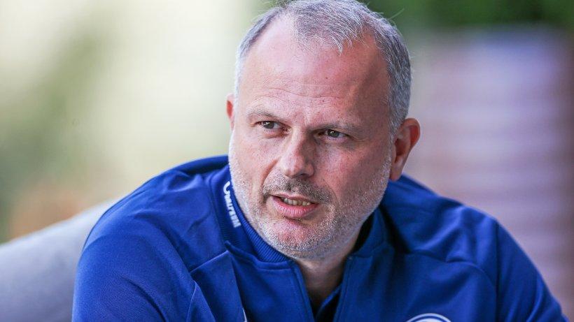 Moukoko-Anfeindungen: Schalkes Schneider will Zivilcourage