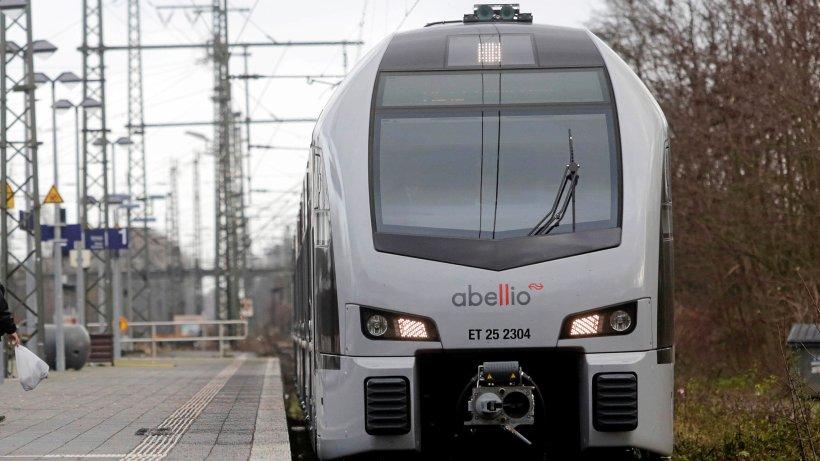 Bahnsperrung am Niederrhein: Ersatzbusse für die Linie RE19 - NRZ