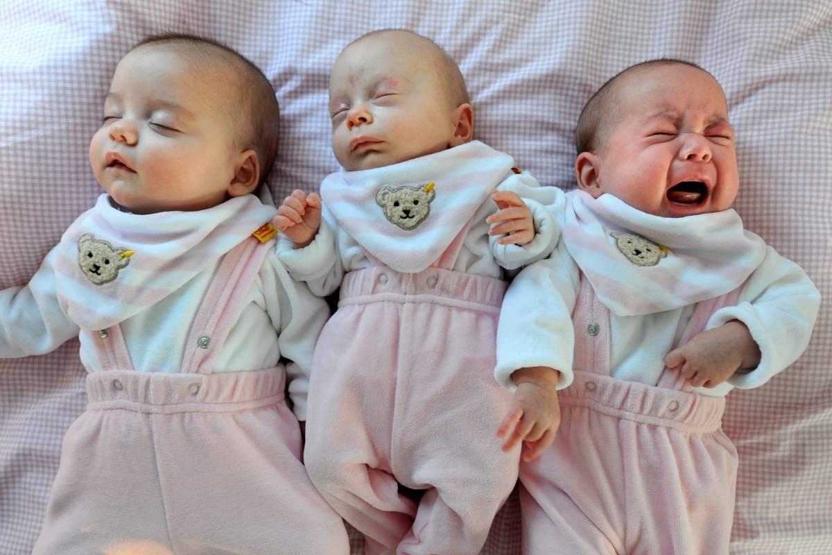 13263211f792c1 Kuscheln oder alleine schlafen  – Irrtümer zum Babyschlaf