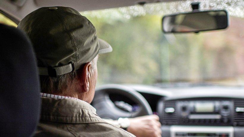 Unfallflucht: Die Polizei in Wesel sucht einen Mann mit Hut - NRZ