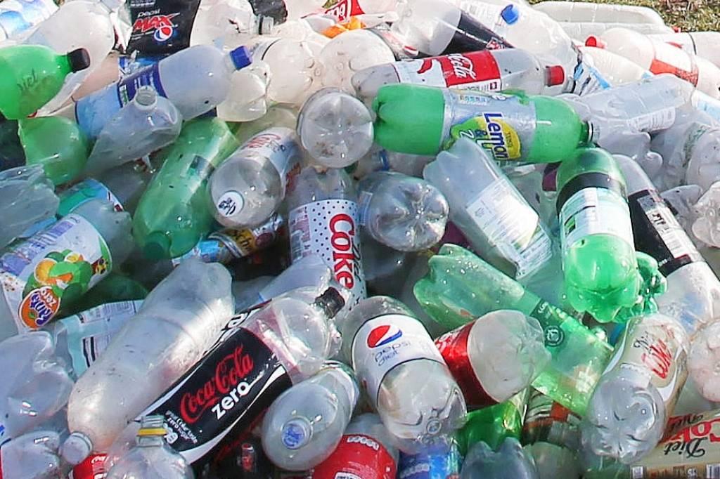 Start-up Share: PET-Flaschen aus 100 Prozent recyceltem Plastik ...