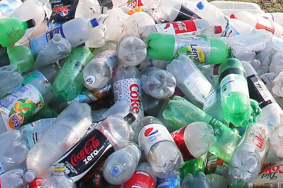 Start Up Share Pet Flaschen Aus 100 Prozent Recyceltem Plastik